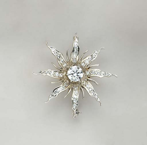 A DIAMOND AND WHITE GOLD STARB