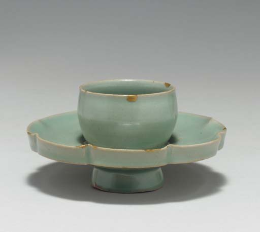 A Celadon Stoneware Cup Stand