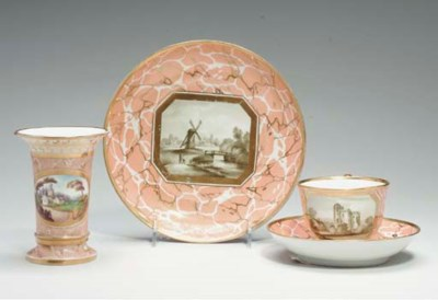 A GROUP OF WORCESTER PORCELAIN