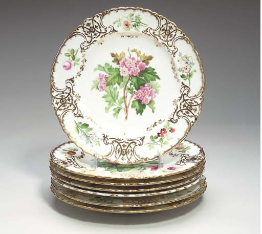 TWELVE ENGLISH PORCELAIN DESSE