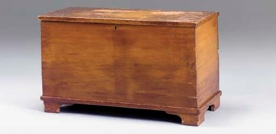 A FEDERAL BLANKET CHEST