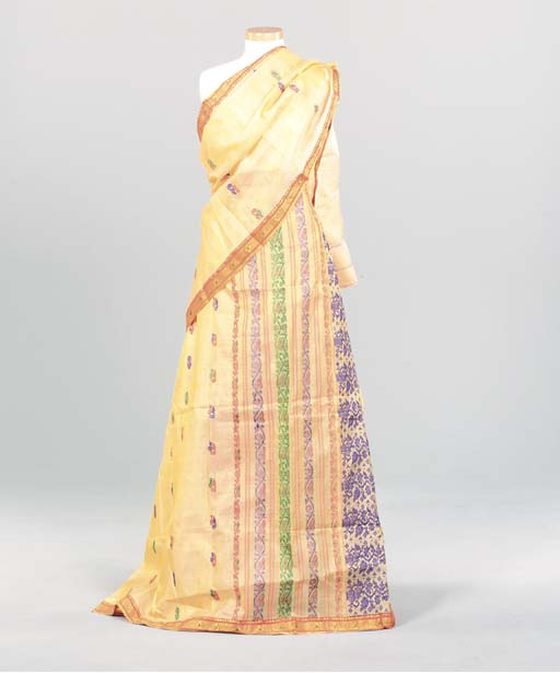 A BRILLIANTLY COLORED INDIAN S