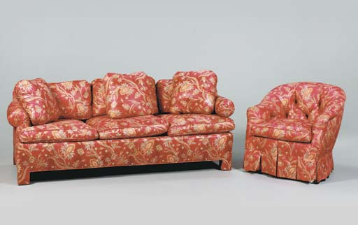 A SOFA TOGETHER WITH A CLUB CH