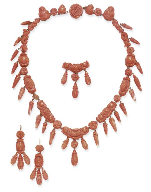 **A SUITE OF ANTIQUE CORAL JEW