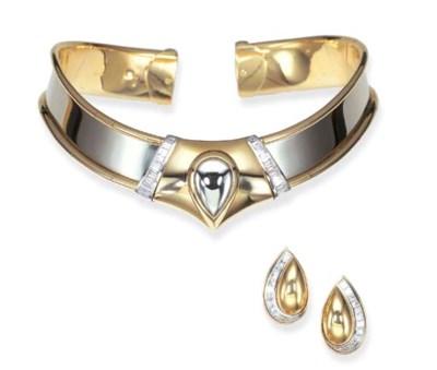 A SET OF DIAMOND, GOLD AND PLA