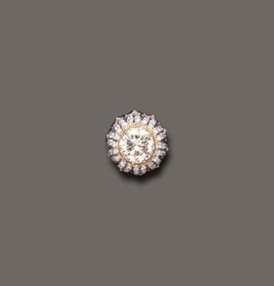 A DIAMOND RING, BY BUCCELLATI
