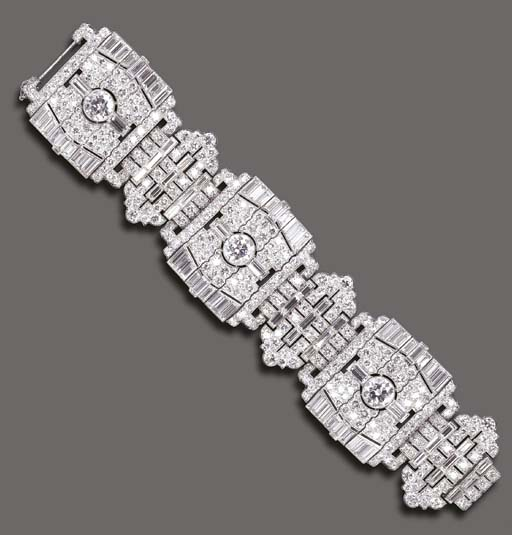 AN IMPORTANT ART DECO DIAMOND