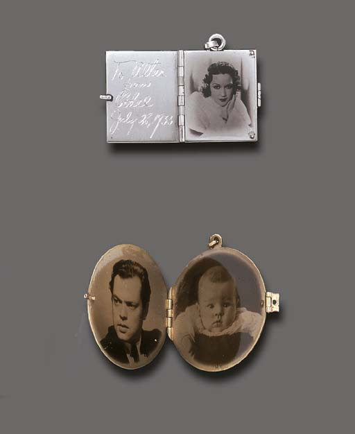 TWO PICTURE FRAME LOCKET PENDA