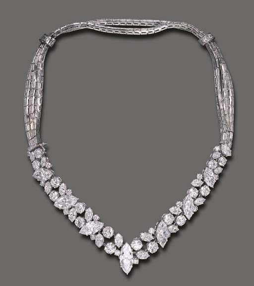 AN IMPORTANT DIAMOND BRACELET,