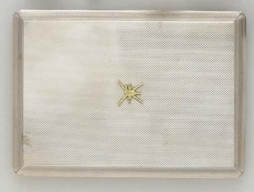 AN 18K WHITE GOLD CIGARETTE CA