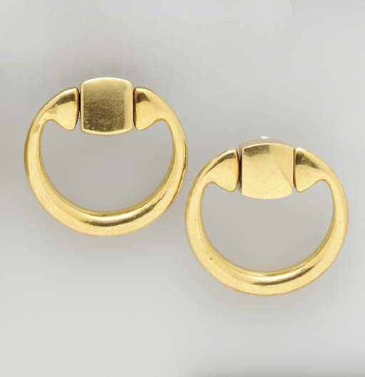 TWO PAIRS OF 18K GOLD EAR PEND