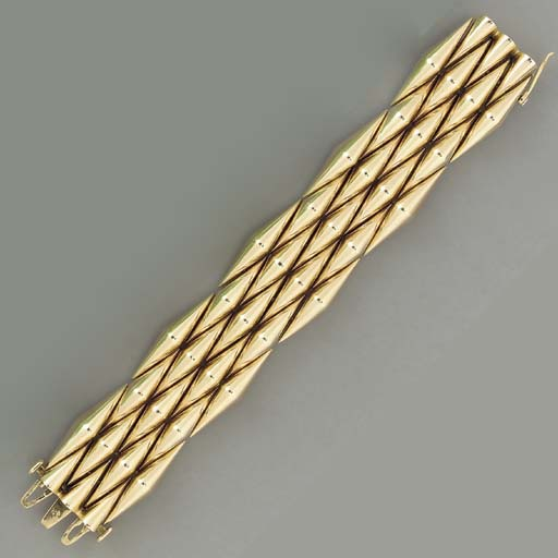 A RETRO 14K GOLD BRACELET