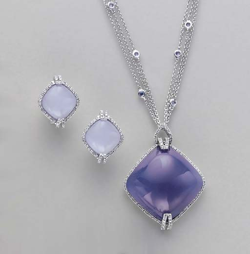 A SUITE OF BLUE CHALCEDONY, DI