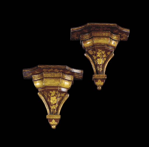 A PAIR OF REGENCY SCARLET AND GILT JAPANNED WALL BRACKETS