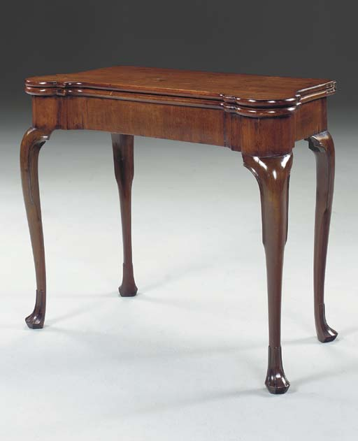 AN IRISH GEORGE II MAHOGANY GA