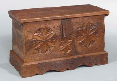 A COLONIAL STYLE CARVED PINE C