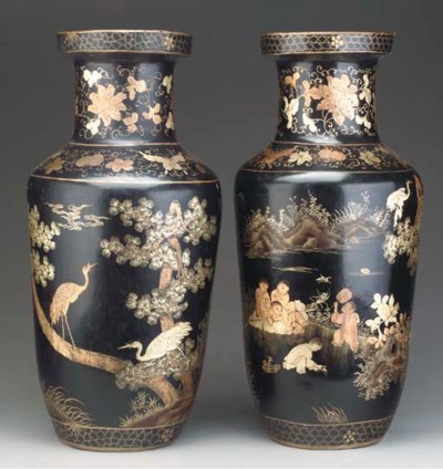 A PAIR OF CHINESE BLACK LACQUE