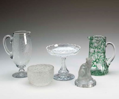 A GROUP OF GLASS TABLEWARES,