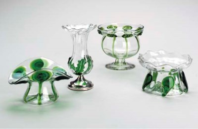 A GROUP OF VICTORIAN CLEAR AND