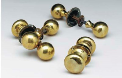 A GROUP OF VICTORIAN BRASS DOO
