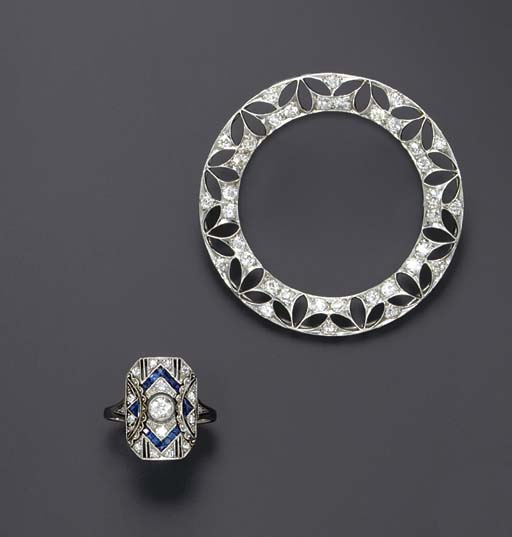 A GROUP OF ART DECO JEWELRY