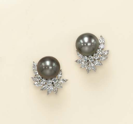 A PAIR OF SILVER CULTURED PEAR