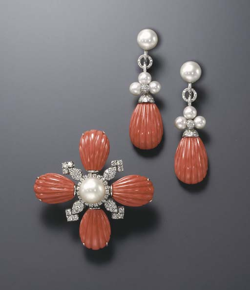 **A SET OF CORAL AND CULTURED