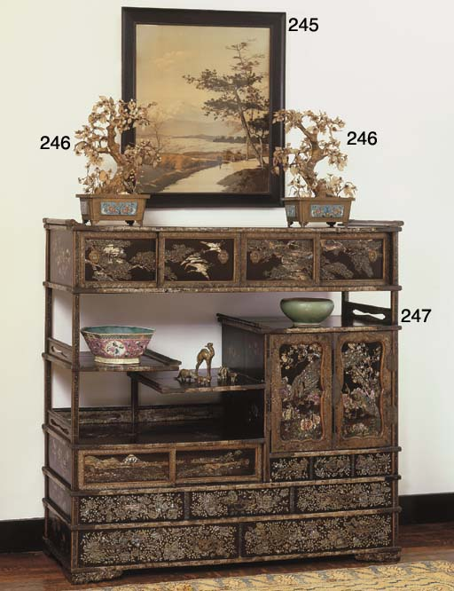 A JAPANESE LACQUER BOOKSHELF (