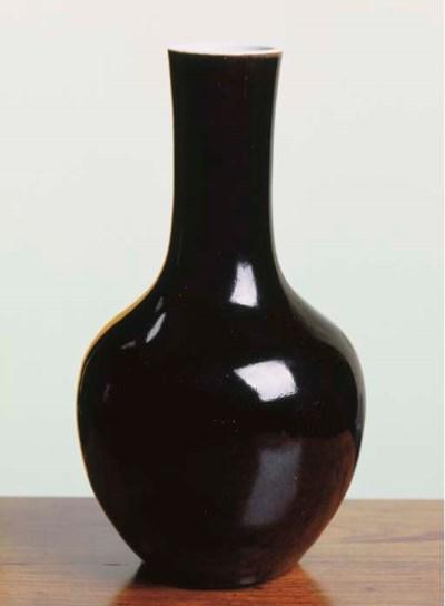 A CHINESE BLACK-GLAZED PORCELA