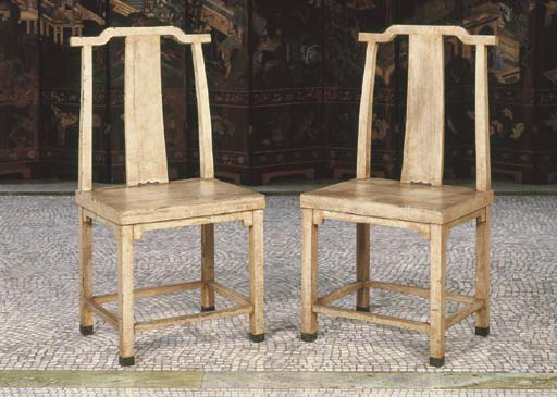 A PAIR OF CHINESE WHITE-LACQUE