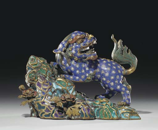 AN UNUSUAL CHINESE CLOISONNE A