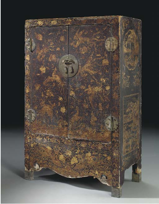 A CHINESE GILT-DECORATED BLACK