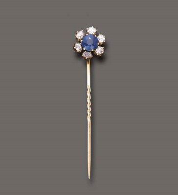 AN ANTIQUE SAPPHIRE AND DIAMON