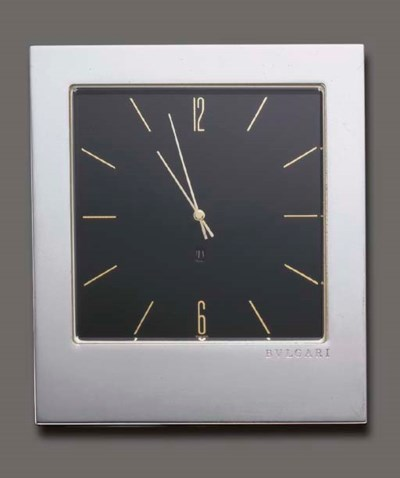 A STERLING SILVER DESK CLOCK,