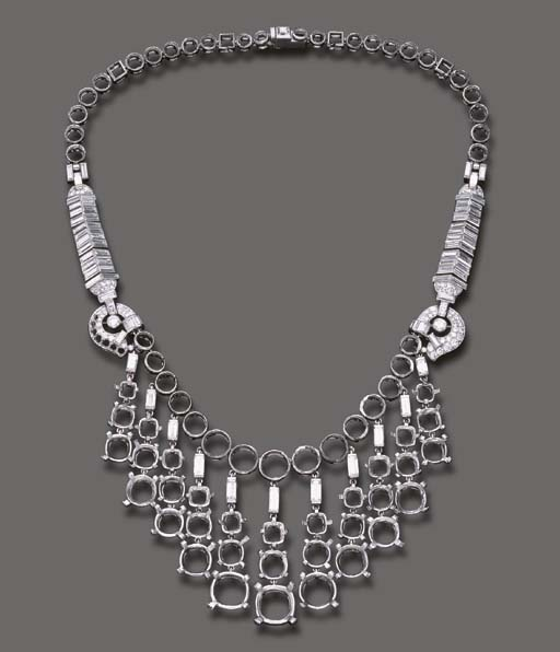 A DIAMOND AND PLATINUM NECKLAC