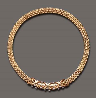 A RETRO DIAMOND AND GOLD CHOKE