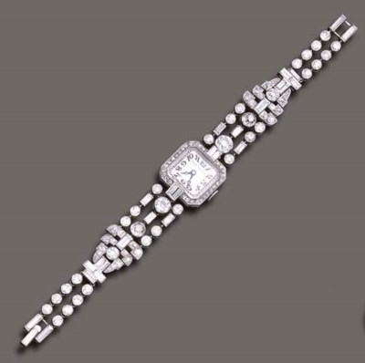 AN ART DECO DIAMOND WRISTWATCH