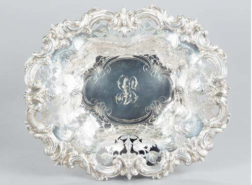 AN AMERICAN SILVER OVAL CENTER