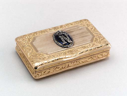 A CONTINENTAL GOLD SNUFFBOX,