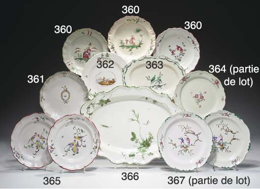 SEPT ASSIETTES EN FAIENCE DE M
