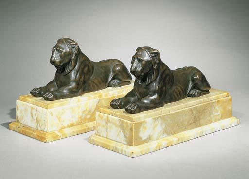 DEUX LIONS D'APRES L'ANTIQUE