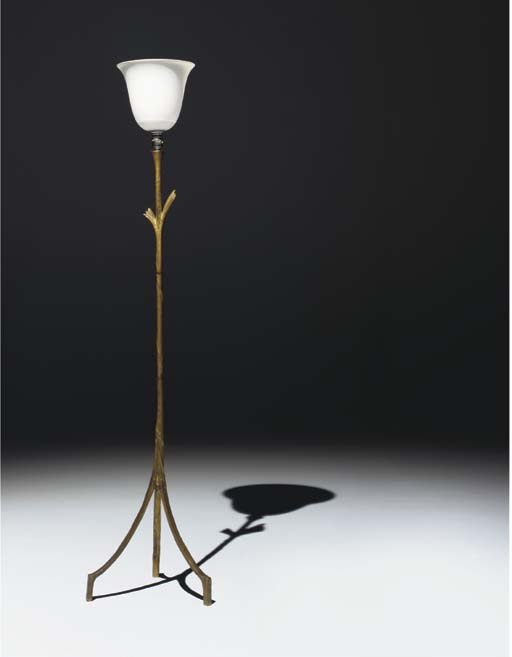 LAMPADAIRE A LA FEUILLE