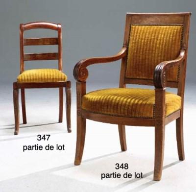 PAIRE DE CHAISES D'EPOQUE REST