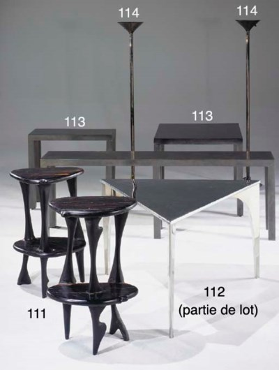 SIX TABLES CONSOLES D'ANGLE MO