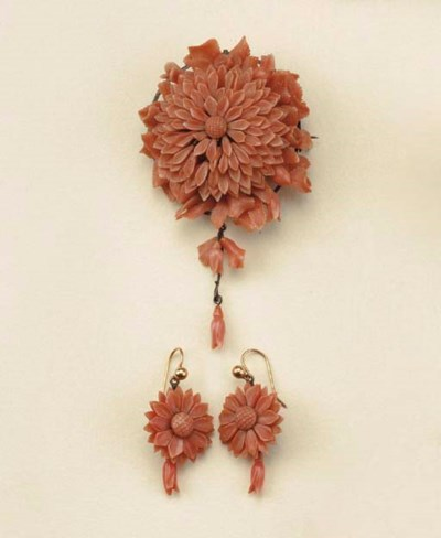 Antica parure in corallo