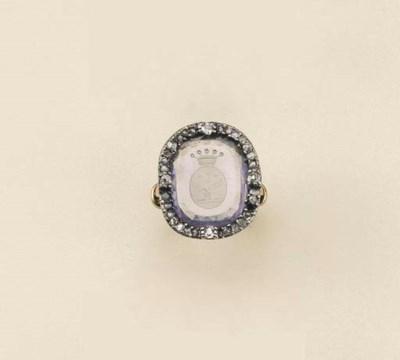 Antico anello con zaffiro inta