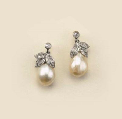 Paio di orecchini con perla na