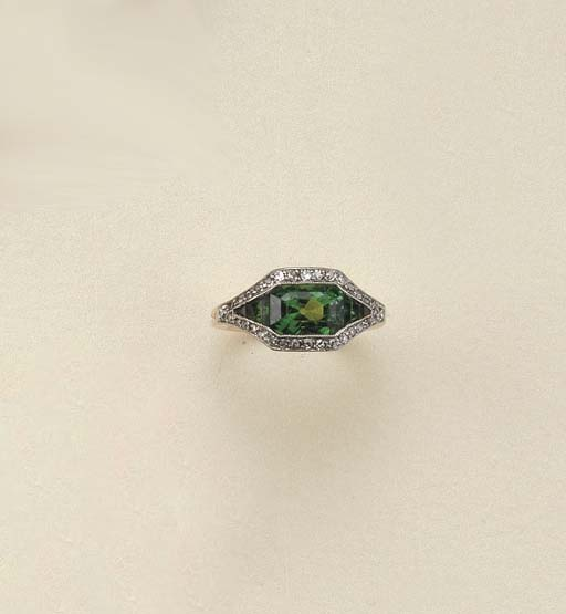 Anello art déco in smeraldi e