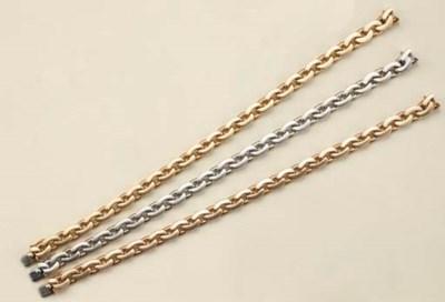 Serie di tre bracciali a magli