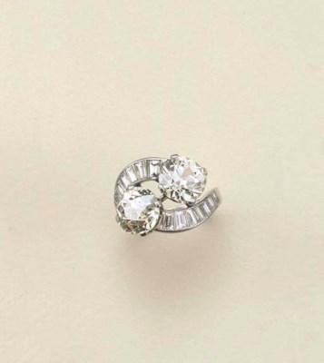 Anello in platino e diamanti,
